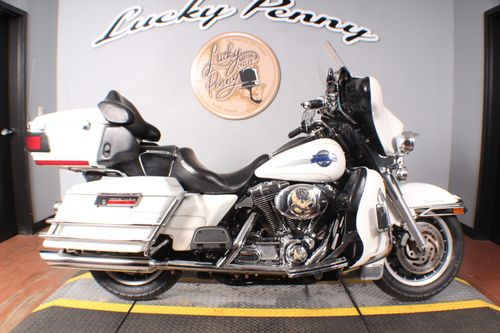 Pre-Owned 2006 Harley-Davidson Electra Glide Ultra Classic - FLHTCUI