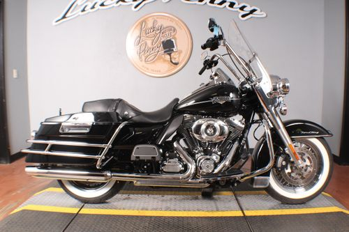 Pre-Owned 2011 Harley-Davidson Road King Classic FLHRC