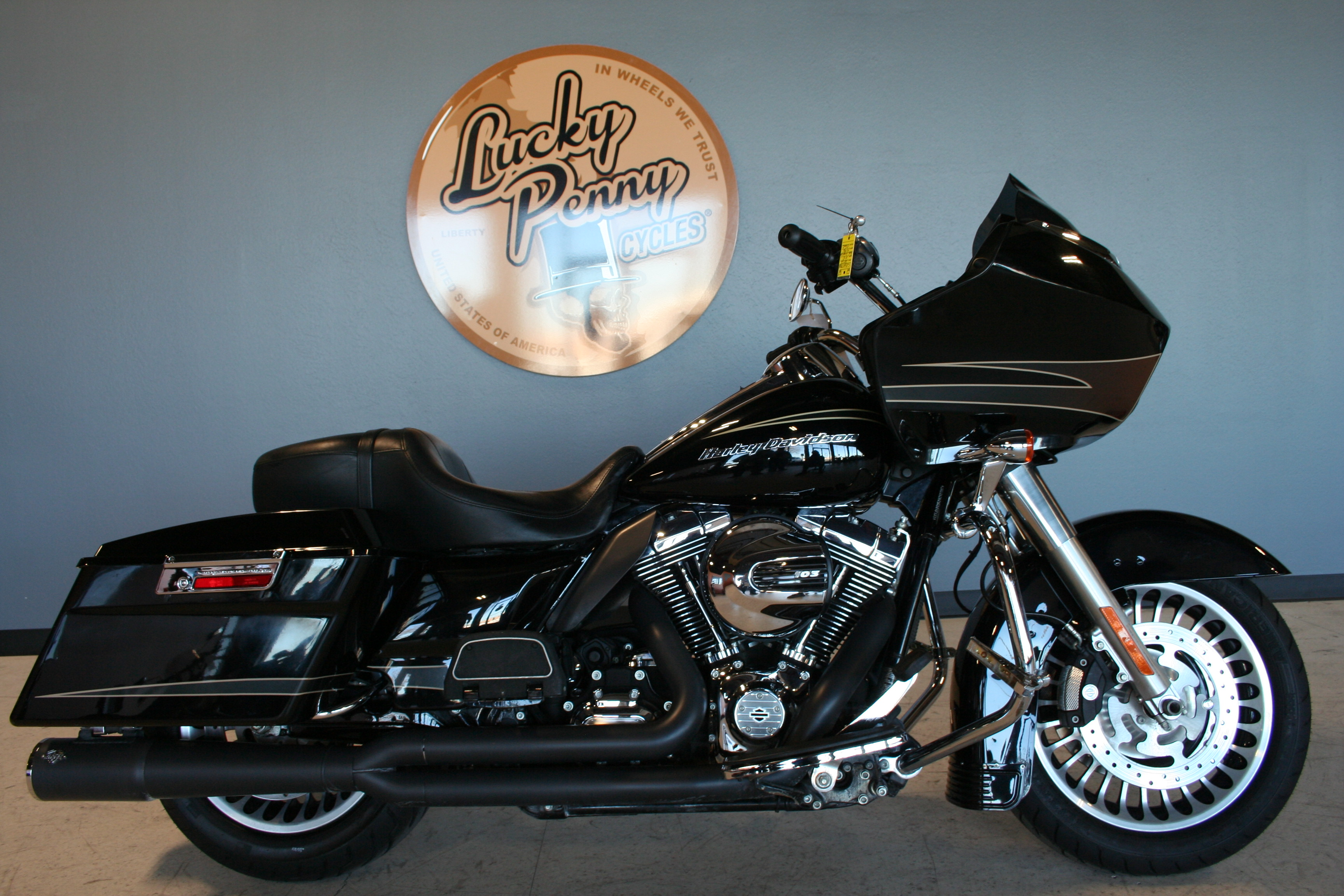 Pre-Owned 2012 Harley-Davidson Road Glide Ultra