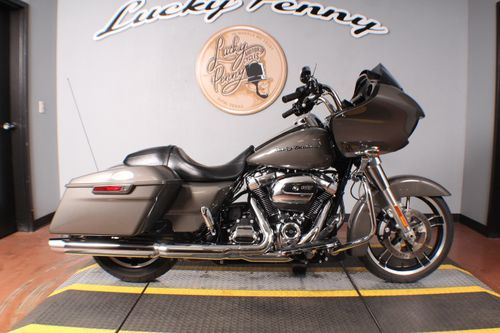 Pre-Owned 2019 Harley-Davidson Road Glide Base FLTRX
