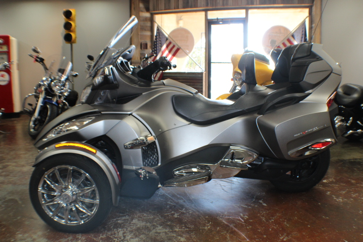 Pre-Owned 2014 Can-Am ***AT AUCTION***