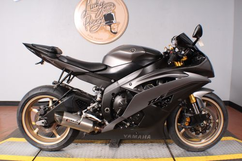 Pre-Owned 2014 Yamaha YZF R6
